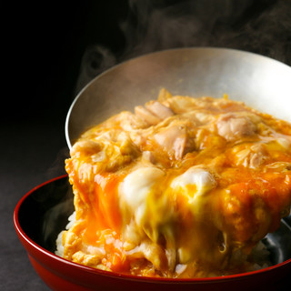 名古屋コーチンの卵、モモを贅沢に使った『親子丼』は絶品!