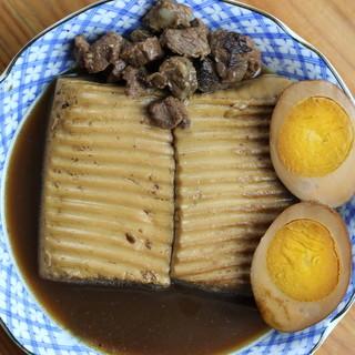 """甘辛い出汁でコトコト煮込みました◎""""肉豆腐""""は当店の名物です"""