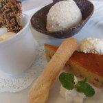 洋風旬彩 Emonder Masser - デザートは、カルーアのシャーベットとパッションフルーツのムース★