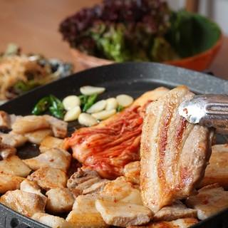 本場の韓国焼肉