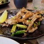 広島お好み焼 くるみ - 鳥せせりとアスパラ焼き