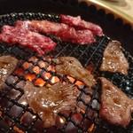 日の出焼肉 - 料理写真:焼肉には白飯!