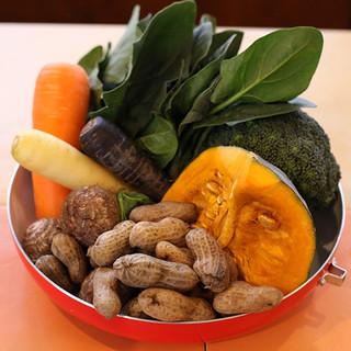季節の野菜と穀物(地元産)
