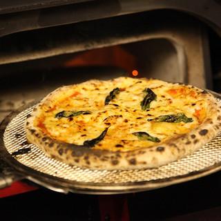 石釜焼きピザとオーブン料理