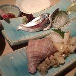 8011194 - 関さば、つぶ貝お造り。その日仕入で新鮮でおいしい。