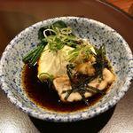 80110354 - おぼろ湯豆腐。薬味はネギ、生姜、おかか、海苔。