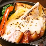 A muse - 厚切りベーコンと6種野菜のオーブン焼き~ラクレットチーズがけ
