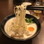 麺匠 たに鶏 - 麺リフトアップ