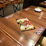 STEAK × WINE 肉バル LIMIT DISH - テーブル