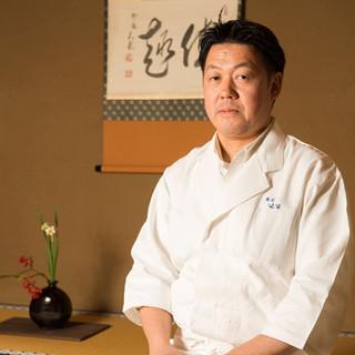 藤本竜美氏(フジモトタツミ)―30余年、名門の味を守り続ける