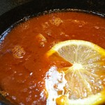 80126139 - オマール海老のトマトスープ。角切りのメンマとチャーシューも入ってます。