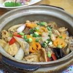 美楽一杯 - 海鮮煲(海鮮と春雨の土鍋煮込み)