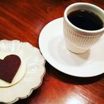 カザーナ・コーヒー - ドリップとチョコサブレ