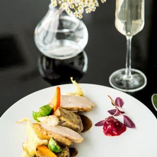 産地の明確な食材を使用した料理やビオワインを多数ご用意