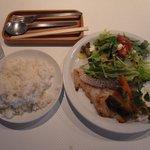 ringo - 白身魚のソテーのランチ