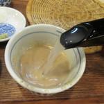 手打ち蕎麦 雷鳥 - ごまだれに蕎麦湯を