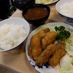 80131072 - カキフライ定食1350円