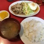 東海楼 - 生姜焼き定食(600円)。