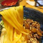 えびすやうどん - トロトロの黄味とニクニクしい牛カルビ肉との快楽的コラボ♪