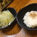 辛っとろ麻婆麺 あかずきん - トッピング無料のネギとご飯