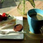 ラ メゾン ブルー - ベリーショート&惹きたてコーヒー!