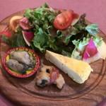 taverna minimo - 前菜3種とサラダ