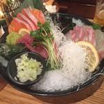 天ぷら海鮮米福 - 山陰刺し盛り3種(マグロ、カンパチ、サーモン)