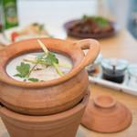 Rice people,Nice people! - 鶏肉とキノコのココナッツミルクスープ