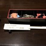 Gyoshoutakaaki - 小鉢3種