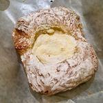 ハートブレッドアンティーク - クリームチーズデニッシュ 210円