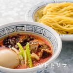 らーめん山頭火 - 真っ赤なみそ味スープと、このボリューム感に圧倒『辛みそつけ麺』
