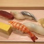 赤坂 すし 秀 - 選べるミニ丼+握り5カン 1000円税別