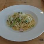 80154152 - パスタランチ 季節のお野菜のクリームソーススパゲティ