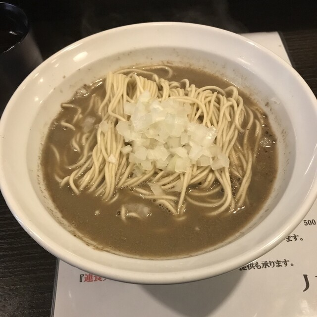 丿貫 - 極濃焙煎ママカリ鬼煮干そば。 税込800円。 美味し。