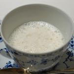 チウネ - 料理写真:天然トラ河豚の白子のスープ
