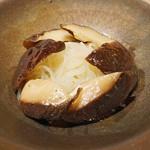 80156104 - 原木椎茸とビーフン