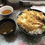 天丼かえん - 大盛(700円)+赤出し(50円)