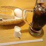 8016360 - たっぷりアイスコーヒーとモーニングセット