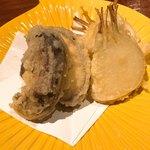 80160897 - 原木椎茸と新玉ネギの天ぷら