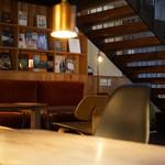 BERTH COFFEE - 素敵なお店です。       夜はバーになります。