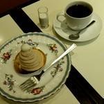 カフェ ナドック - モンブランとコーヒー