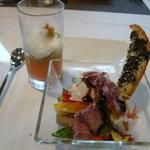 ピノ - 料理写真:前菜・シェフお勧めサラダと焼きナスとパプリカのムース