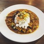 Hamburger&Bar insula - 夏の島野菜とキーマカレー