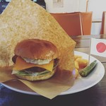 Hamburger&Bar insula - マンビキバーガー