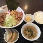 鉄鍋餃子・石焼炒飯 龍神 - 油そばセット