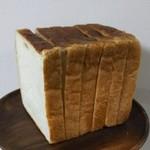 80178531 - 角食パン