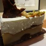 80180525 - カマンベールとマスカルポーネ2層のチーズケーキ