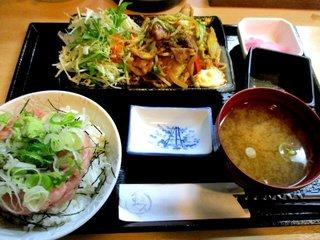 酒と魚と蛙人。 - ミニネギトロ丼と豚と野菜の甘辛味噌炒め定食!