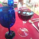 指帆亭 - 赤ワイングラス