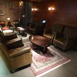 Cafe 1923 - ソファ席も有ります。